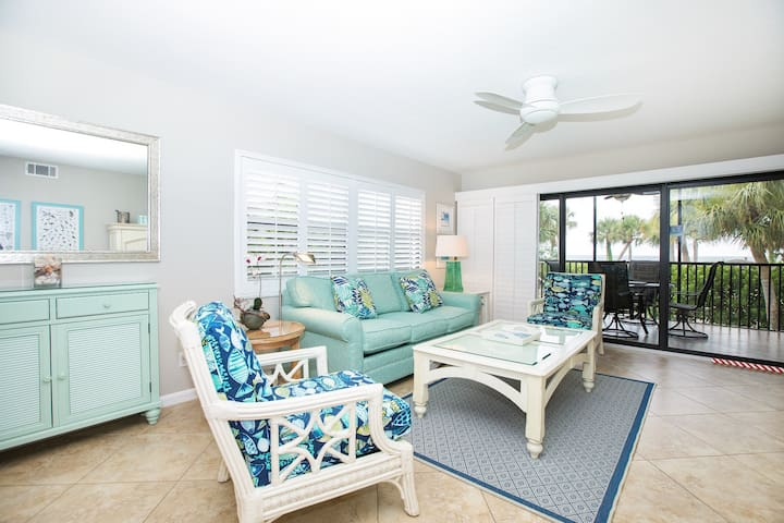 TARPON BEACH 201- BEAUTIFUL GULF VIEW CONDO ON SANIBEL!