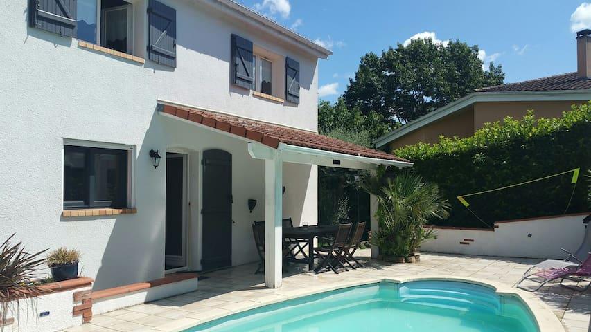 Villa vieux colomiers avec piscine