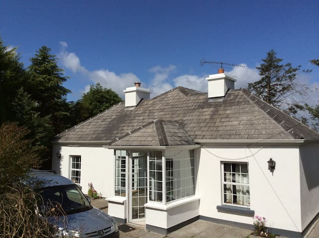 Maghera More Cottage - Galway