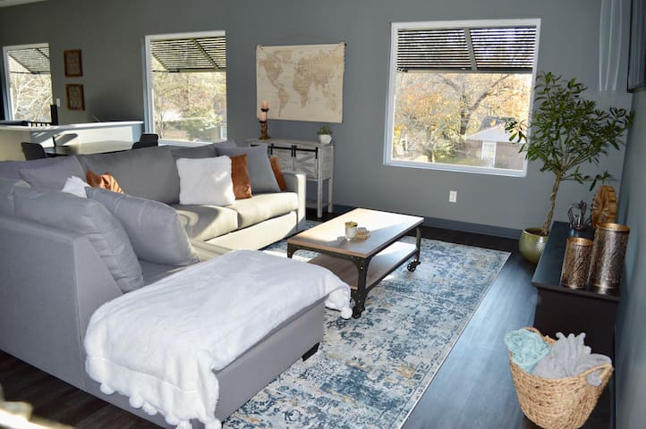 NEW! The Cube House, perfect Greenville location