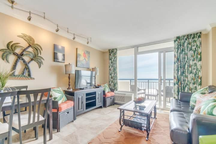 Spectacular Oceanfront Condo|Snowbird Special Rates Available!!!🕓