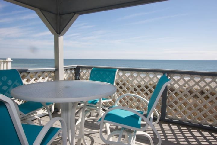 Perfect First Floor Oceanfront 2br, Small Dogs Considered w/fee,  Beach Tents OK Here! - Surfside Beach - Condominium