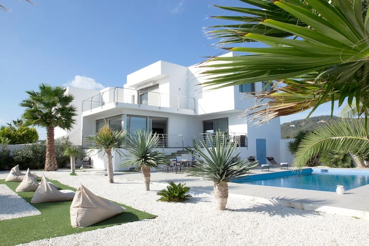 Amazing Villa in central location - Sant Josep de sa Talaia - Villa