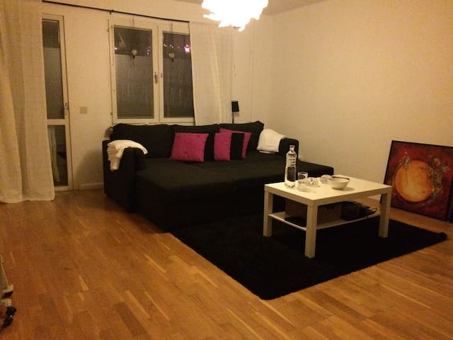 Cosy apartment in a quiet area - Sundbyberg - Wohnung