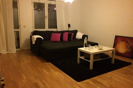 Cosy apartment in a quiet area - Sundbyberg