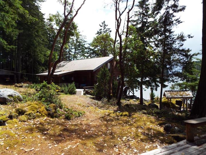 Tan Island Lodge