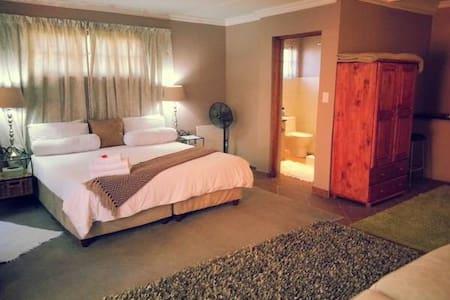 Midrand B&B inc breakfast Room 9 - Midrand - Bed & Breakfast