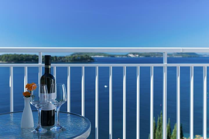 Sea view apartment 3