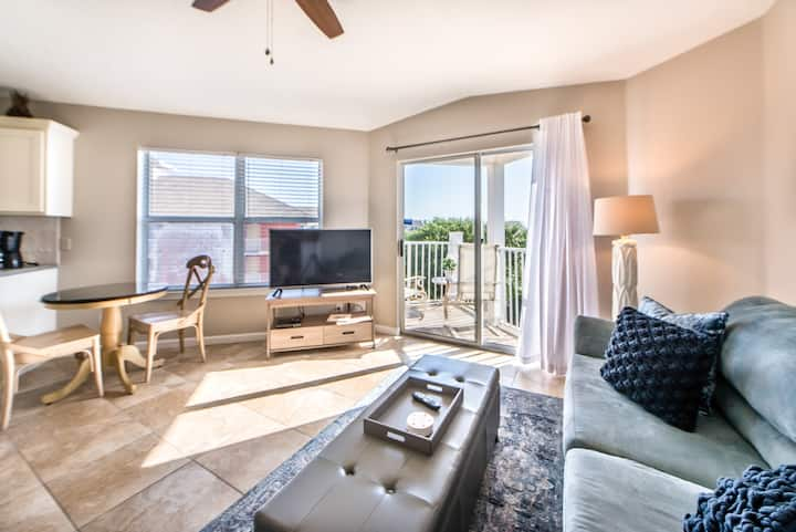 Budget-Friendly☀️100Steps2Beach☀️Inspected & Disinfected☀️1BR+Bnks Gulf View 318