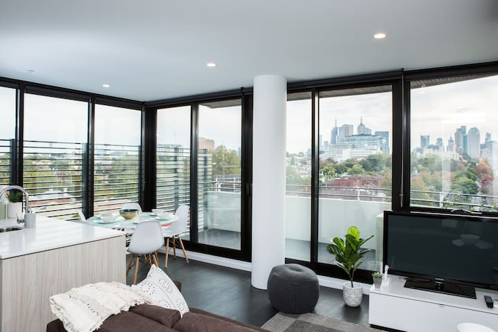 Designer, light-filled Apartment with Views - Richmond - Lägenhet