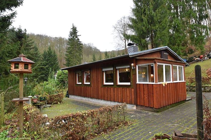 Freistehender Bungalow im Südharz mit Holzofen und eigener Terrasse