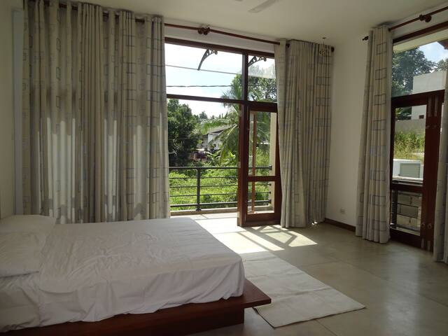 Spacious modern rooms in Malabe