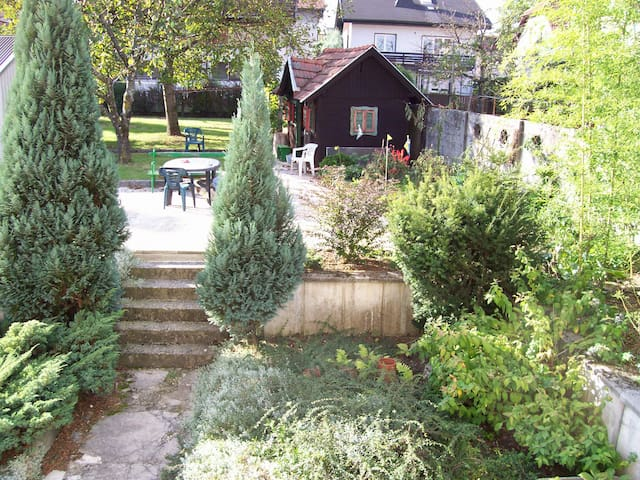 Large green garden 4 beds near the center pensione in - Taxi bagni di tivoli ...