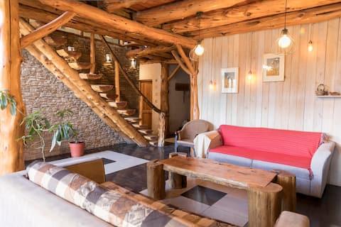 Patagonia Mágica, Cabaña de troncos. Hab. 1
