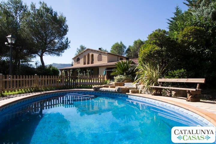 Incredible Villa Vacarisses for 11 near Barcelona! - Vacarisses - Casa