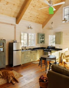 Rustic Charm Near Lake Granbury - Granbury