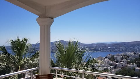 Apartment with big balcony and perfect view-Hürpa
