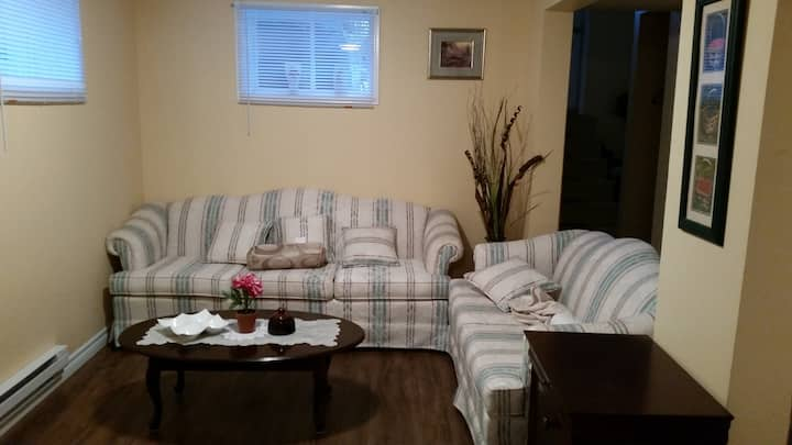 2bedroom basement apt for rent nightly or weekly