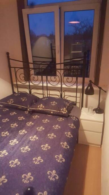 Guestroom from the door. (vertical)