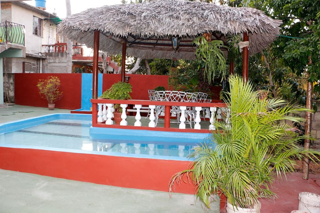 Suite privada eden con piscina casa particular cuba for Casas con piscina en cuba