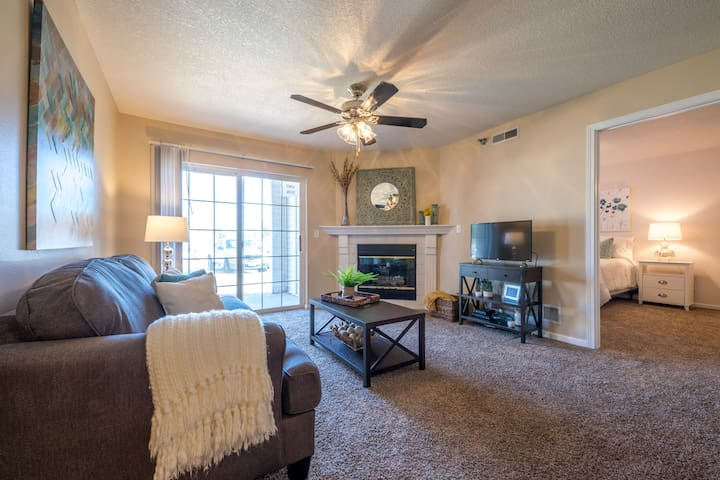 """Simply Serenity"" - 2BD/2BA Apartment (9106)"