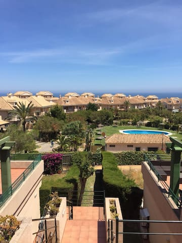 Nice apartment in Alcaidesa for summer holidays