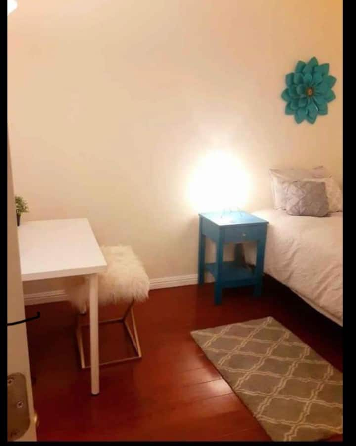 Cute soothing private room for single