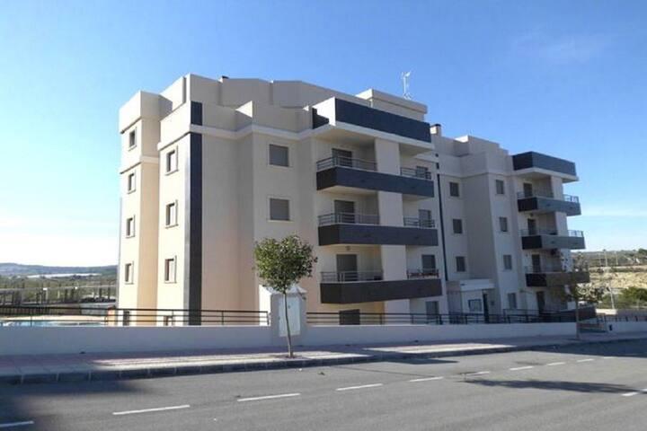 Appartement  avec solarium privé et piscine