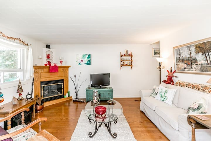 GREAT CENTRAL LOCATION, CENTURY HOME
