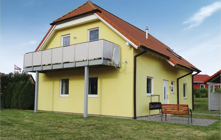Holiday apartment with 2 bedrooms on 60 m² DMK209