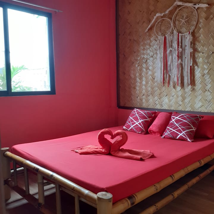 Playa Family house – Sea View Queen Bed 2 RED room
