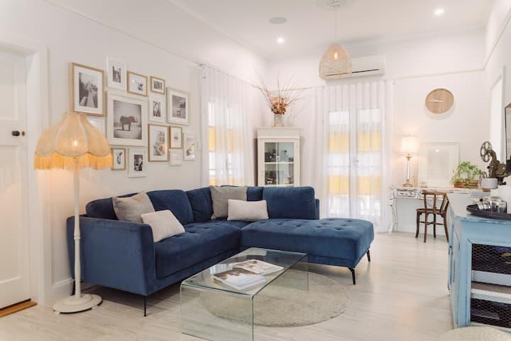 Laurelea - Beautiful home in central location
