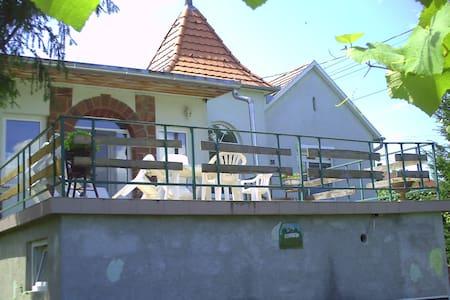 strand,tenisplaz,reithof,Markt,Restaurant - Fonyód - Apartamento