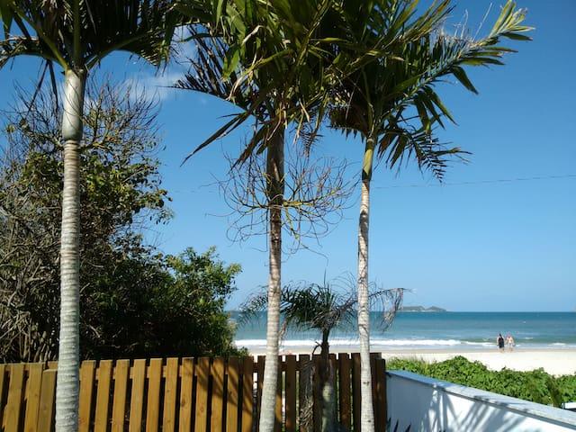 Ingleses-Florianópolis- Pé na areia