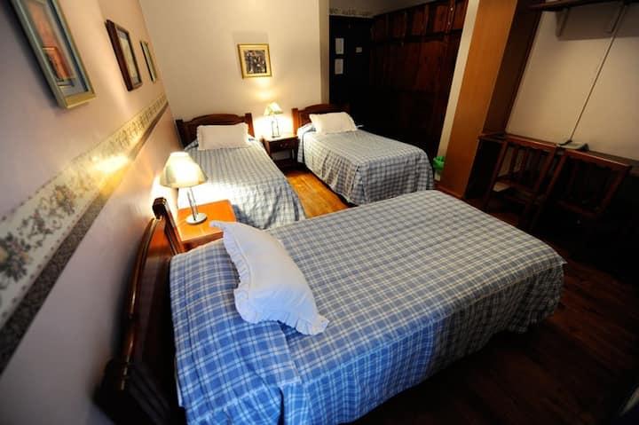 Habitacion  Familiar - Family Rooms
