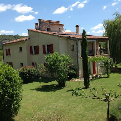 Apartment with private pool - Quinson - Apartamento