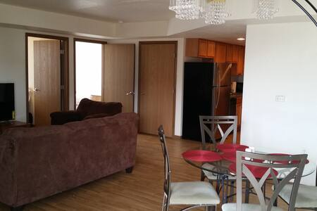 Amazing 3 BR Apt. Close to U of I - 2nd Floor - Champaign - Appartement