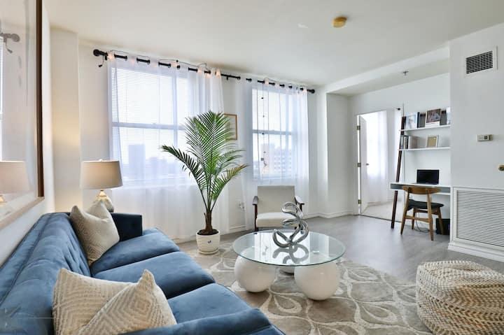 The Windsor High Floor 2 Bedroom Corner Apartment