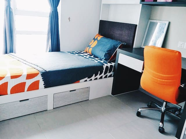 Entire Unit with Wifi and AirCond ! - Cyberjaya - Bed & Breakfast