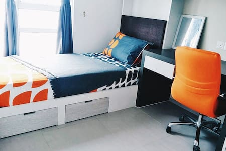 Entire Unit with Wifi and AirCond ! - Cyberjaya