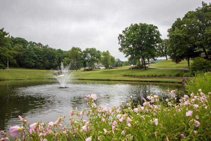 Branson Condo Rental | Pointe Royale | Golf | Indoor Pool | Taneycomo | Welk (591107)