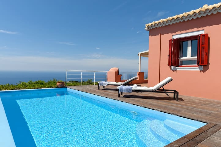 Villa Rodia with Private Pool - Tsoukalades - Vila