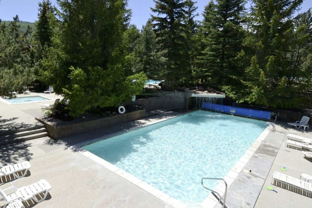 The Red Pine Condominiums pool facilities, which are ideal for relaxing and lounging on a hot summer's day.
