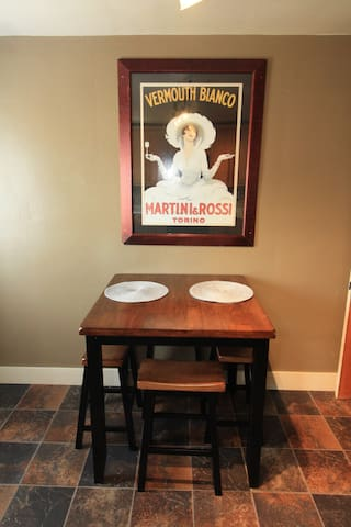 Breakfast Table w/Seating for 4