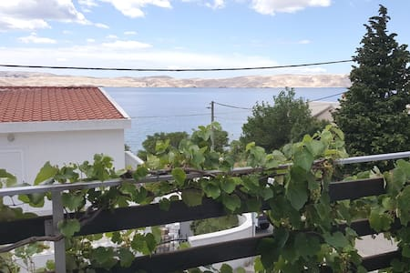 BLUE J -Sunny w/View & Nature-Pkg- 1 min Sea&Beach