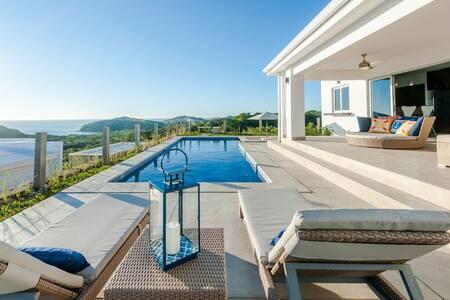 Spectacular 3000 sq. foot Oceanview Villa