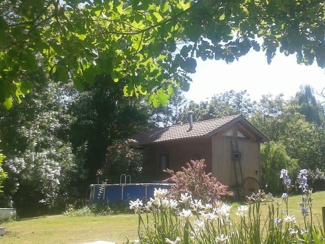 Petite maison en bois - Cazaux-Savès - Stuga