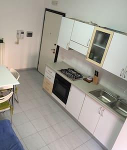 Delizioso appartamento al mare - Apartment