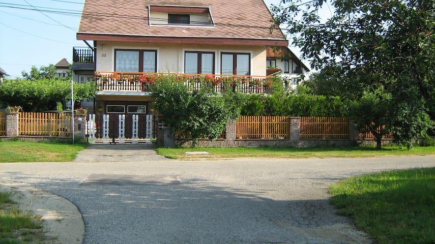 Villa a strand központ közelében - Alsóörs