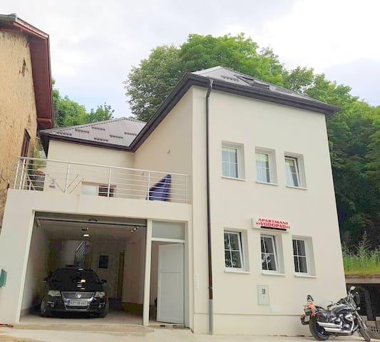 Apartmani Vodopad House